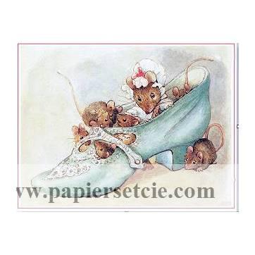 Carte artisanale Vintage Beatrix Potter Famille souris dans une chaussure