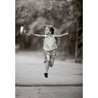 Carte Enfants Noir et Blanc Fillette heureuse