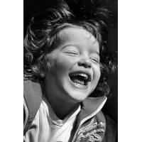"""Carte Enfants Noir et Blanc Fillette: """"Le rire est contagieux"""""""
