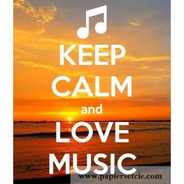 "Carte ""Keep Calm and Love Music"""
