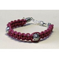 Bracelet macramé rose perles metal en forme de roses
