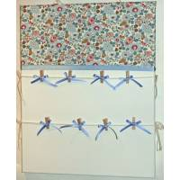 Pêle-Mêle Liberty Betsy Ann bleu 50x40 toile blanche à pinces