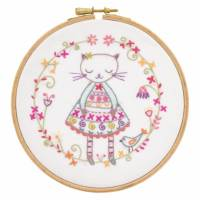 """Kit broderie """"un chat dans l'aiguille"""" Violette la Minette"""